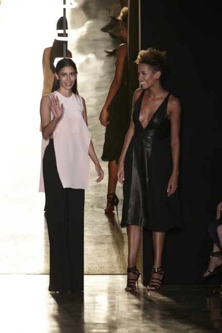cushnie-et-ochs-new-york-fashion-week-spring-summer-2015-michelle-ochs-carly-cushnie
