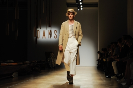 daks-milan-mens-ss-18-atmosphere-1
