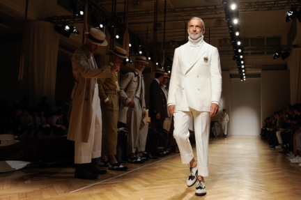 daks-milan-mens-ss-18-atmosphere-10