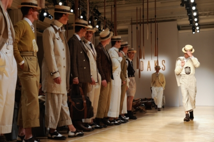 daks-milan-mens-ss-18-atmosphere-13