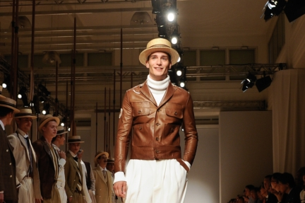daks-milan-mens-ss-18-atmosphere-23