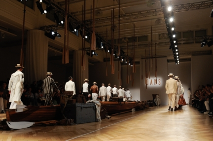 daks-milan-mens-ss-18-atmosphere-29