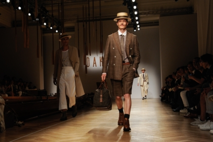 daks-milan-mens-ss-18-atmosphere-4