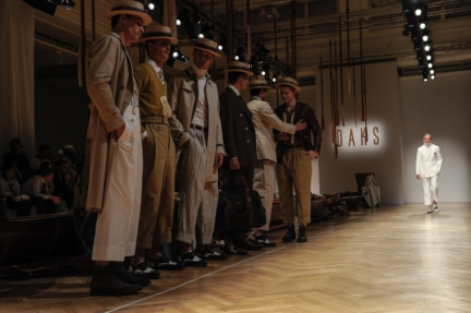 daks-milan-mens-ss-18-atmosphere-9