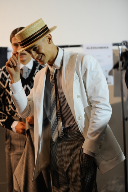 daks-milan-mens-ss-18-backstage-25