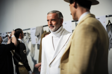 daks-milan-mens-ss-18-backstage-31