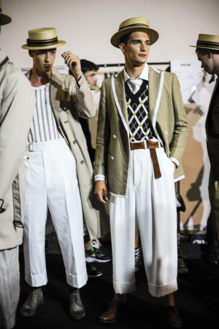 daks-milan-mens-ss-18-backstage-38