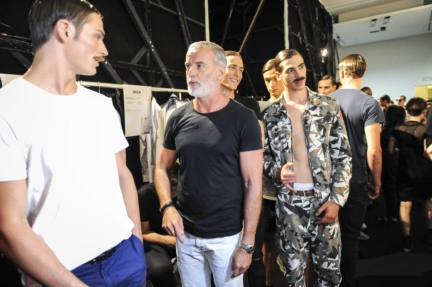 daks-milan-mens-ss-18-backstage-43