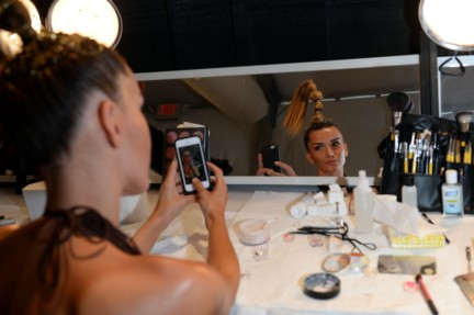 dolores-cortes-mercedes-benz-fashion-week-miami-swim-2015-backstage-101