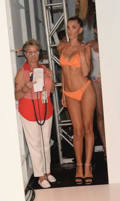 dolores-cortes-mercedes-benz-fashion-week-miami-swim-2015-backstage-50