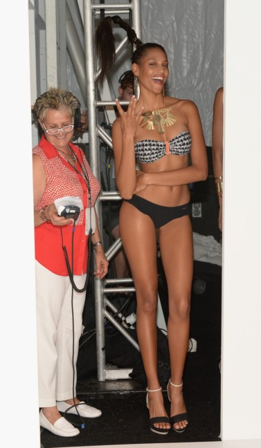 dolores-cortes-mercedes-benz-fashion-week-miami-swim-2015-backstage-97