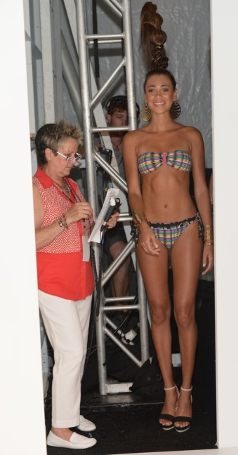 dolores-cortes-mercedes-benz-fashion-week-miami-swim-2015-backstage-98