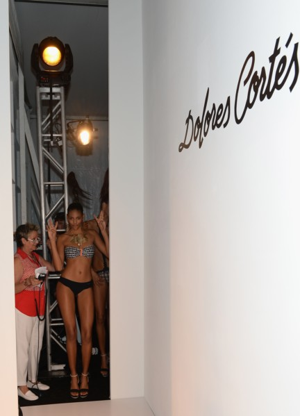 dolores-cortes-mercedes-benz-fashion-week-miami-swim-2015-backstage-99