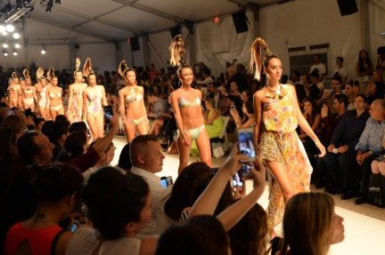 dolores-cortes-mercedes-benz-fashion-week-miami-swim-2015-front-row-8