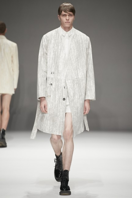 dressedundressed-japan-fashion-week-spring-summer-2015-18