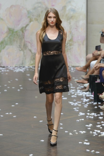 frida-weyer-mercedes-benz-fashion-week-berlin-spring-summer-2015-22