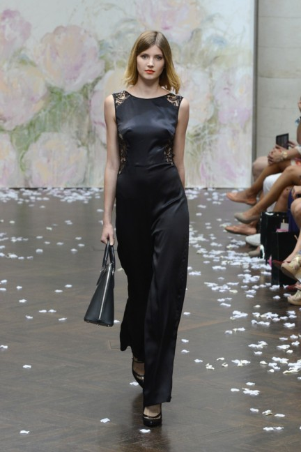 frida-weyer-mercedes-benz-fashion-week-berlin-spring-summer-2015-23