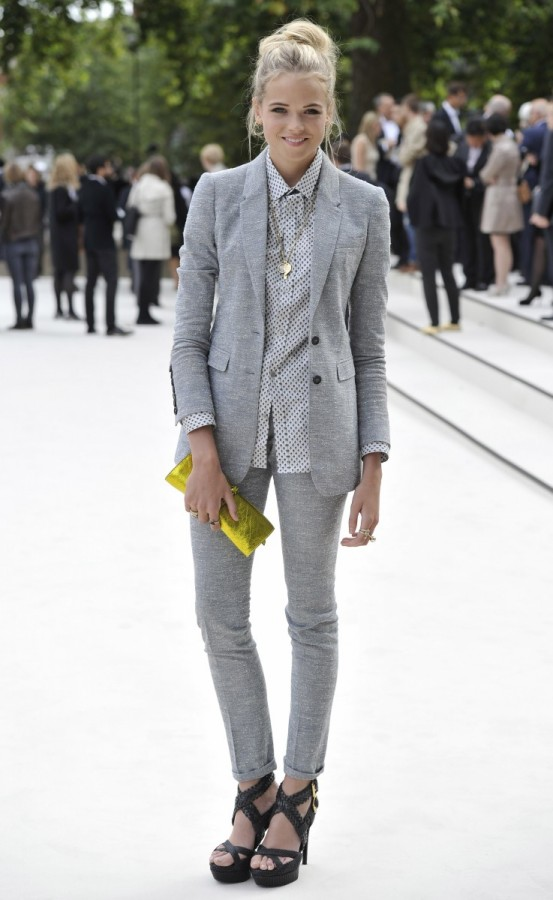 gabriella-wilde-wearing-burberry-at-the-burberry-prorsum-spring-summer-2013-show