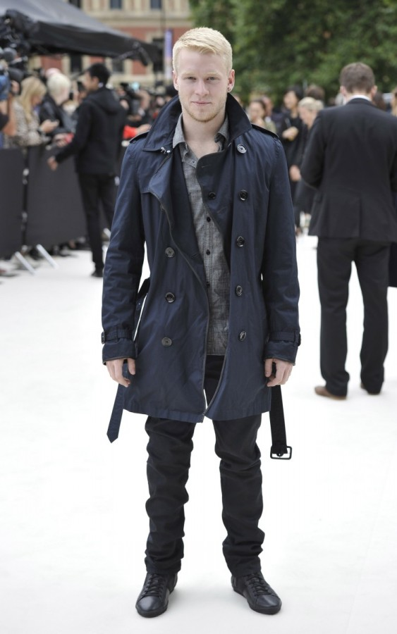 jonnie-peacock-wearing-burberry-prorsum-at-the-spring-summer-2013-show