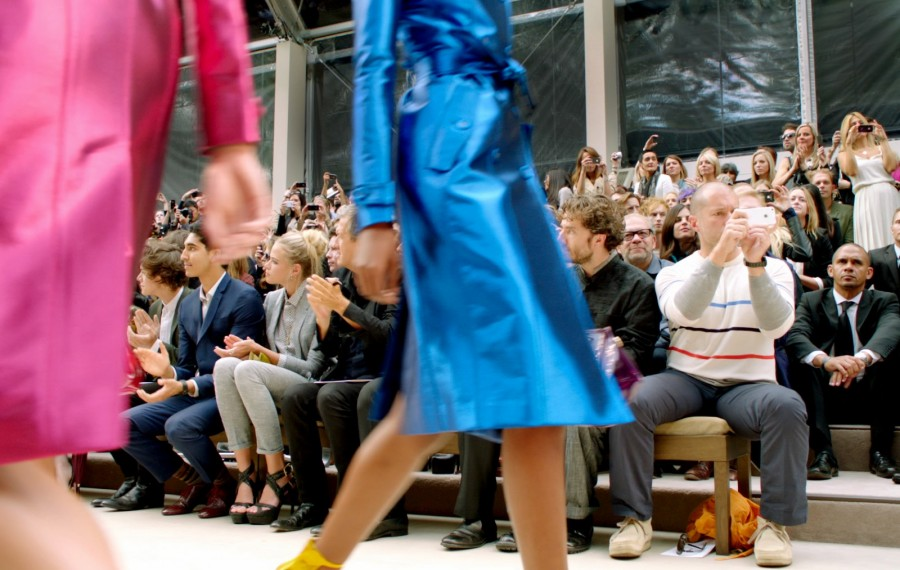 sir-jonathan-ive-at-the-burberry-prorsum-spring-summer-2013-show-2