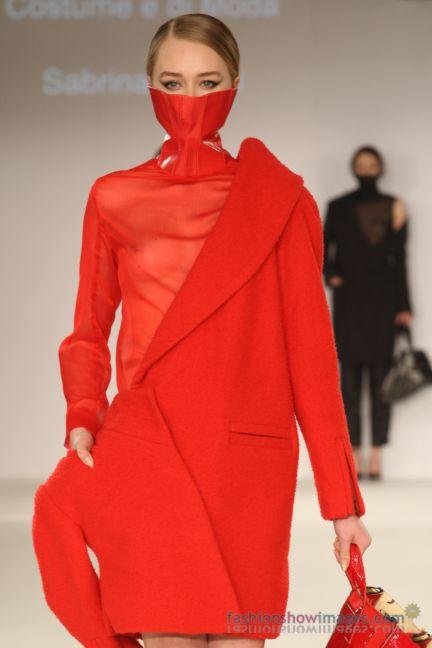 graduate-fashion-week-2014-international-catwalk-competition-10