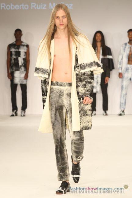 graduate-fashion-week-2014-international-catwalk-competition-115