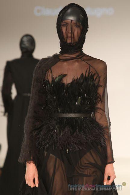 graduate-fashion-week-2014-international-catwalk-competition-153