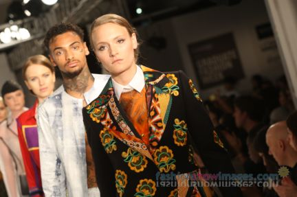 graduate-fashion-week-2014-international-catwalk-competition-207