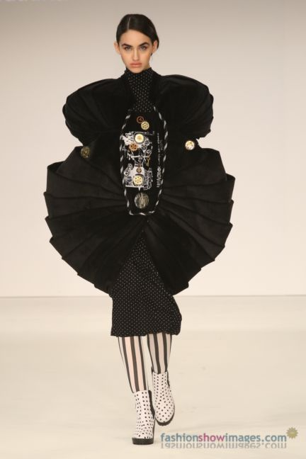 graduate-fashion-week-2014-international-catwalk-competition-61