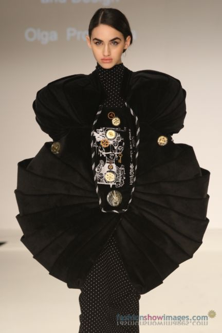 graduate-fashion-week-2014-international-catwalk-competition-62