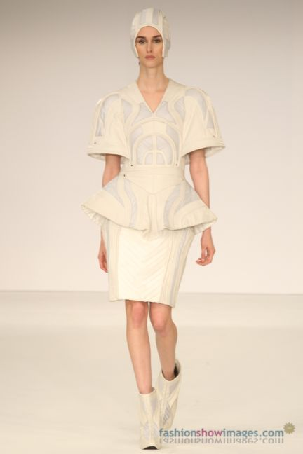 graduate-fashion-week-2014-international-catwalk-competition-76