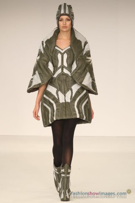 graduate-fashion-week-2014-international-catwalk-competition-78
