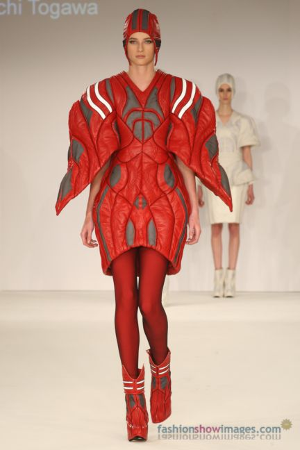 graduate-fashion-week-2014-international-catwalk-competition-86