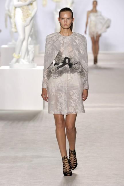 giambattista-valli-haute-couture-aw13-look-05