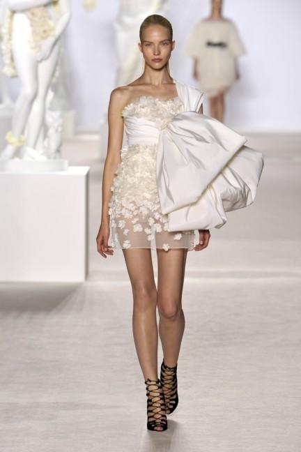 giambattista-valli-haute-couture-aw13-look-06