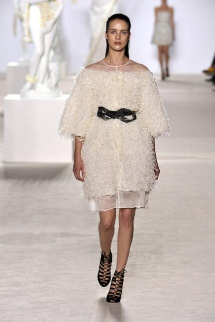 giambattista-valli-haute-couture-aw13-look-07