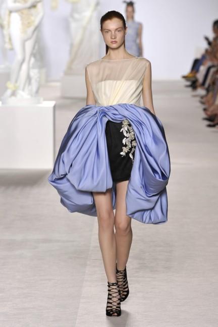 giambattista-valli-haute-couture-aw13-look-09
