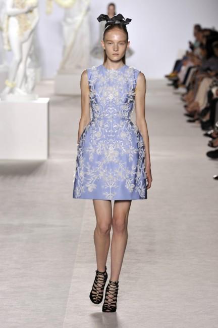 giambattista-valli-haute-couture-aw13-look-10