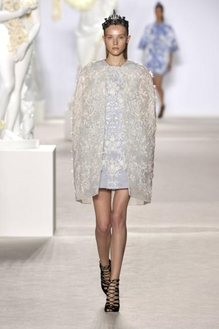 giambattista-valli-haute-couture-aw13-look-15