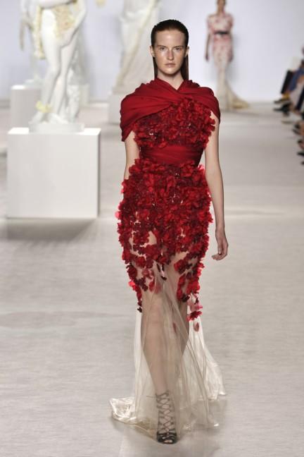 giambattista-valli-haute-couture-aw13-look-20