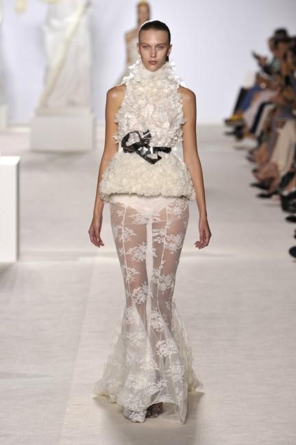 giambattista-valli-haute-couture-aw13-look-22
