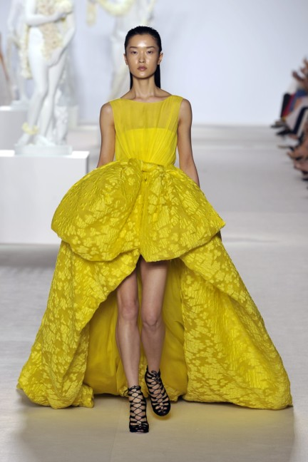 giambattista-valli-haute-couture-aw13-look-39