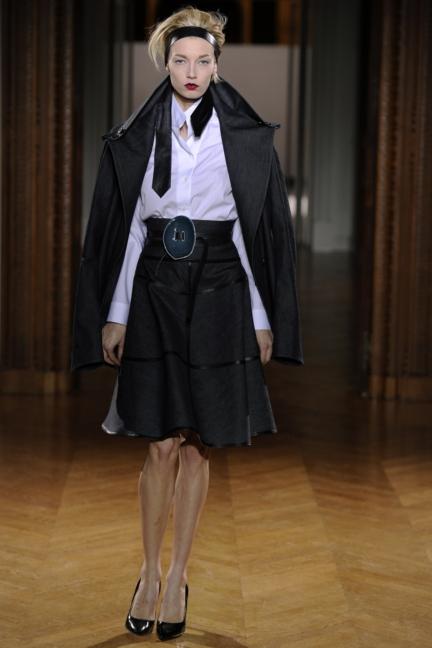 atelier-gustavolins-paris-haute-couture-spring-summer-2015-37