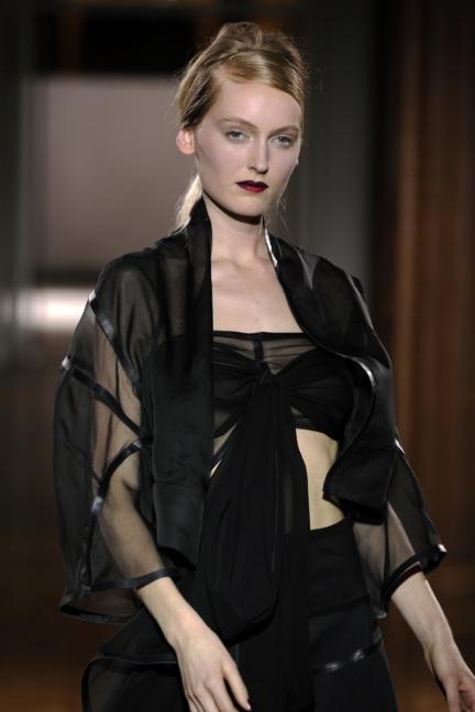 atelier-gustavolins-paris-haute-couture-spring-summer-2015-96