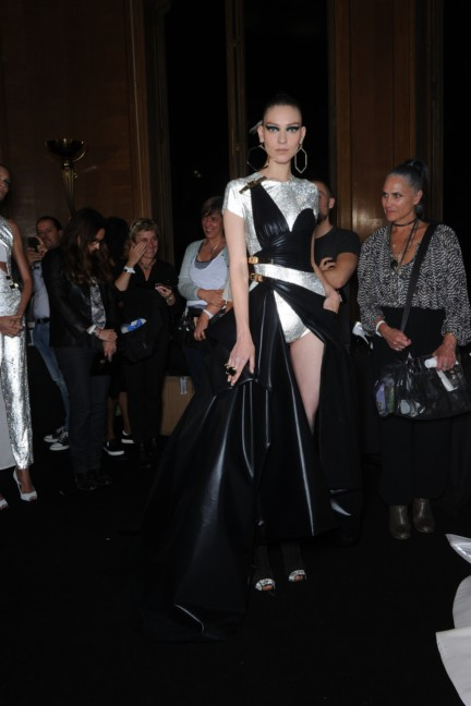 versace-haute-couture-autumn-winter-2014-2015-backstage-139