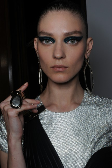 versace-haute-couture-autumn-winter-2014-2015-backstage-153
