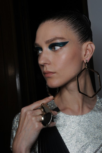 versace-haute-couture-autumn-winter-2014-2015-backstage-154