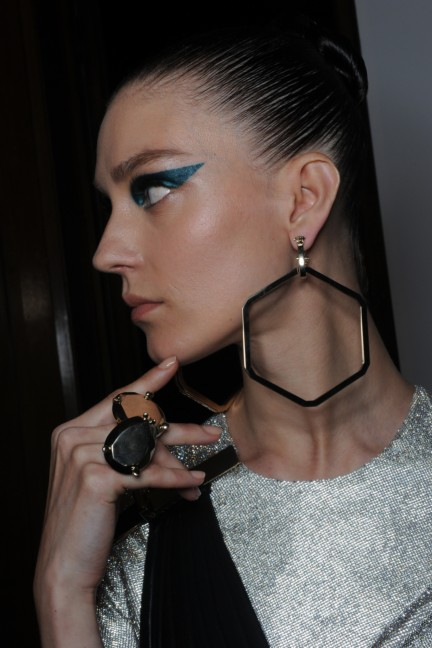 versace-haute-couture-autumn-winter-2014-2015-backstage-155