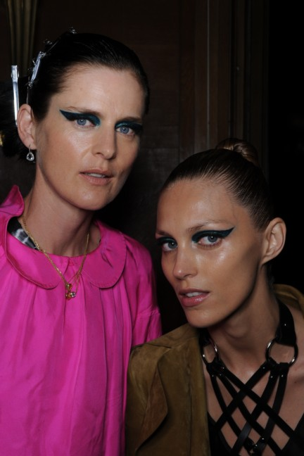 versace-haute-couture-autumn-winter-2014-2015-backstage-19