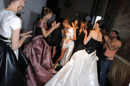 versace-haute-couture-autumn-winter-2014-2015-backstage-203